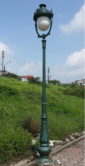 Cot-Den-Trang-Tri-banian11