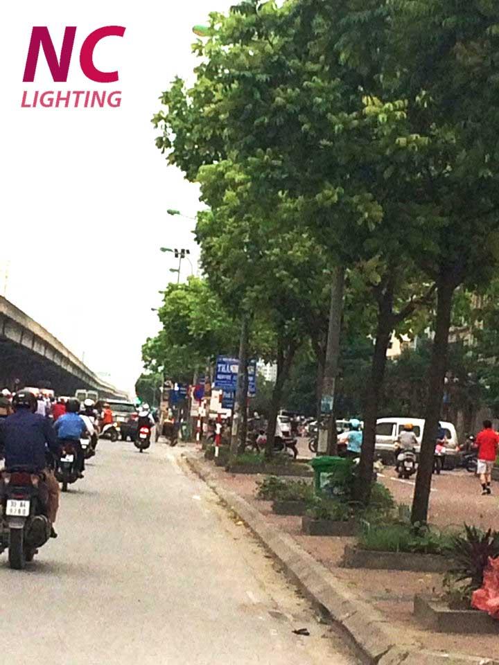 Cột đèn cao áp liền cần đơn tại Hà Nội
