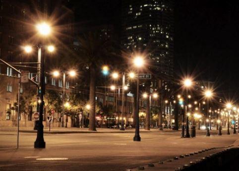 cột đèn sân vườn chiếu sáng