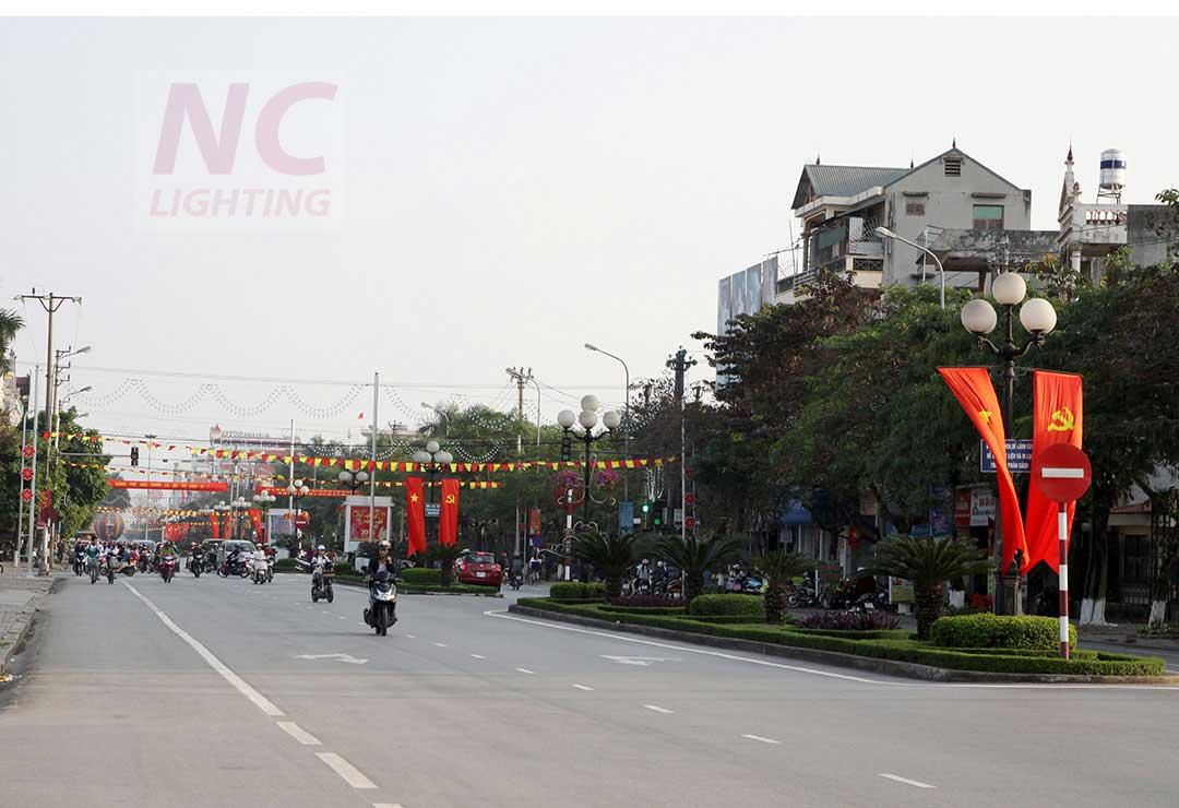 Cot den san vuon tai Bac Giang