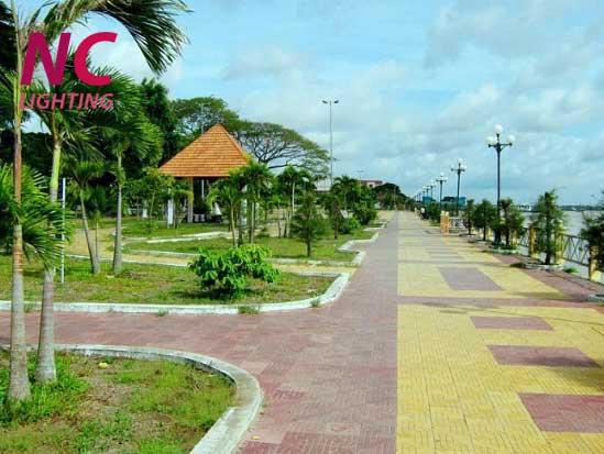 Cột đèn sân vườn tại Quảng Bình