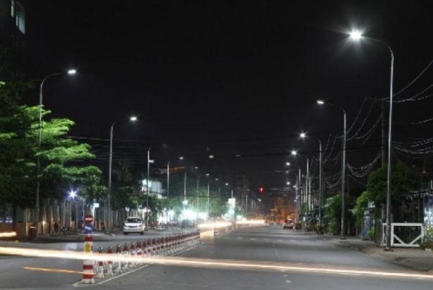 Lắp cột đèn cao áp tại Hà Nội