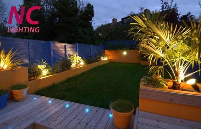 các loại đèn hắt sân vườn