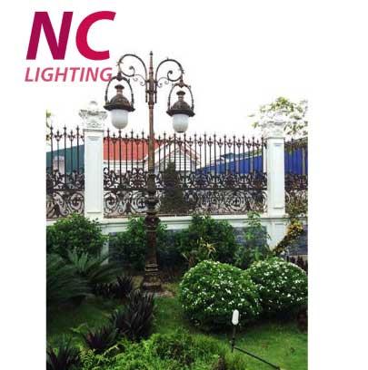 cột đèn trang trí sân vườn nữ hoàng