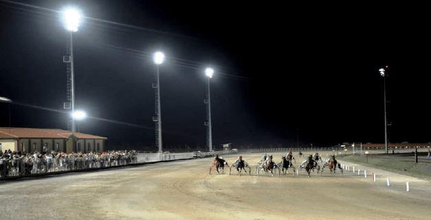 đèn cao áp 400w tại trường đua