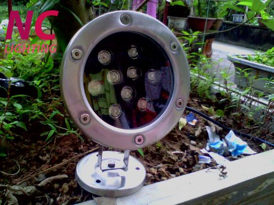 Đèn hắt sân vườn giá tốt nhất