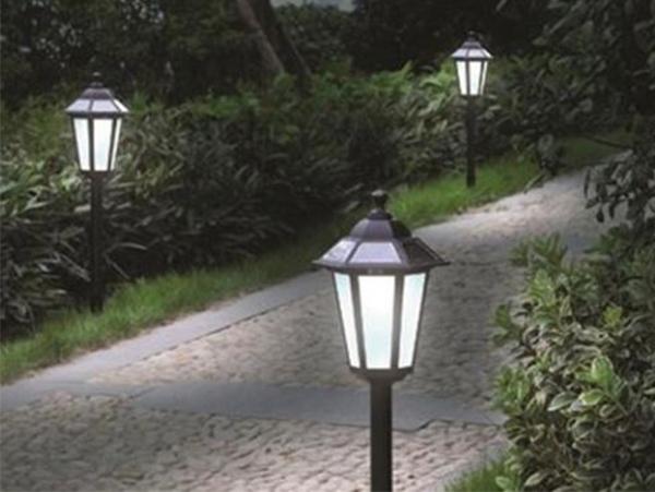 Đèn sân vườn chiếu sáng lối đi
