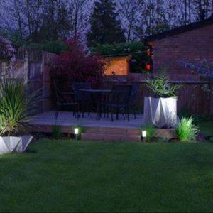 đèn trang trí chiếu sáng sân vườn